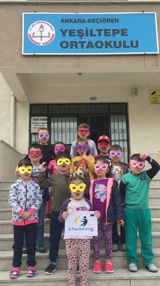Yeşiltepe Ortaokulu eTwinning Etkinlikleri izle