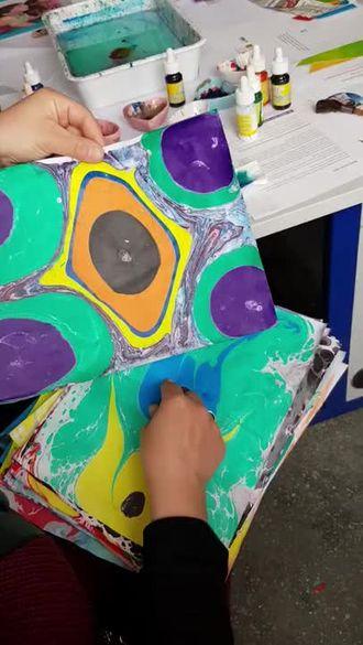 eTwinning Art-cafe kapsamında öğrencilerimizin Ebru çalışmaları izle
