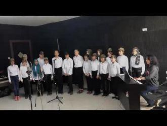 Ekrem Yavuz Ortaokulu Korosu Şehitlerimize Saygıyla izle