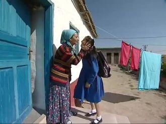 Ana Kız Okuldayız 1 izle