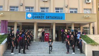 Muğla/Fethiye Çamköy Ortaokulu 10Kasım 2018 Anma etkinlikleri 'yollarda bulurum seni... izle