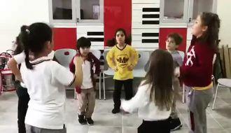 Samsun Atakum Mektebim Müzik dersi Çocuk Şarkısı Uzun Kulaklı Tavşan Begüm Akkaç izle