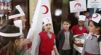 Mehmet Zorlu'da Kızılay Haftası Etkinliği izle