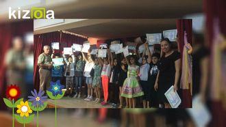 eTwinning projelerimizin katılım belgeleri dağıtılıyor izle