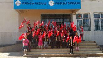 Sarıbaşak İlkokulu 2/A sınıf öğrencilerinin bayram mesajı izle