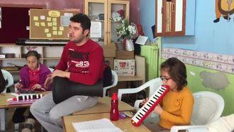 Karaman/Ermenek Cumhuriyet Ortaokulu Müzik Yetiştirme Kursları izle