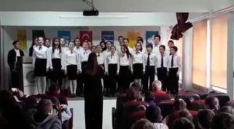 Mehmet Zumra Kuş Ortaokulu 10 Kasım Korosu izle