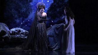 opera örneği için kısa bir arya izle