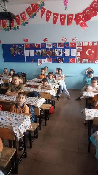 Şehit Ümüt Özcan İlkokulu 2-C Sınıfı Gençlik Marşı izle