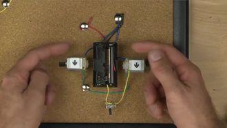 Spout Robot'un Pil Konfigürasyonu ve Kutuplaşması izle