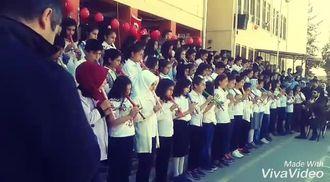 ŞANLIURFA/Haliliye Şanliurfa Ortaokulu  23 Nisan-Gesi bagları flüt ve koro izle
