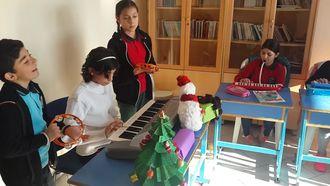 Mesude İşman Ortaokulu Seçmeli Müzik Yılbaşı Özel ''Jingle Bells'' izle