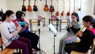 Müzik Dersi Uygulamalalarından izle