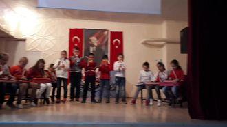 """Çatalarmut İlkokulu 3/A sınıfı Melodika ile """"Dostluk""""şarkısı izle"""