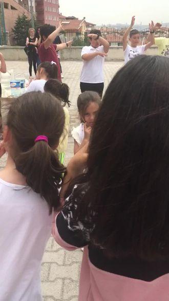 """Yeşiltepe Ortaokulunda """"Okul Dışarda"""" eTwinning etkinlikleri izle"""