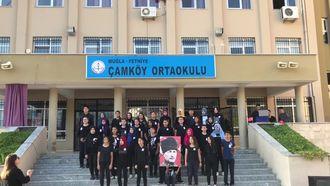 Muğla/Fethiye Çamköy Ortaokulu 10 Kasım Atatürk'ü anma 'yollarda bulurum seni 3�... izle