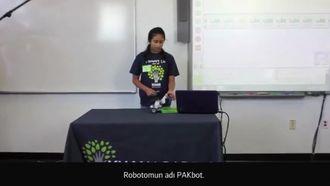 Keşif Laboratuvarı: Bir Öğrenci Lego Robot Projesini Sunuyor izle