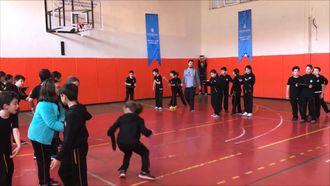 Zıp-Zıp Materyali, Beden Eğitimi Dersi Eğitsel Oyun izle