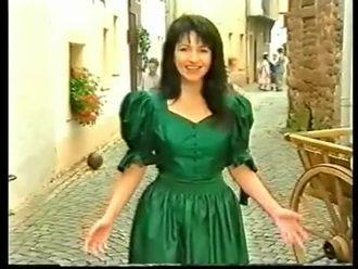 FARBENLIED (Grün grün grün sind alle meine Kleider...) izle