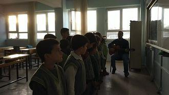 Ziraat Bankası 120. Yıl İlkokulu 2-B Sınıfı(arkadaşım eşek şarkısı) izle
