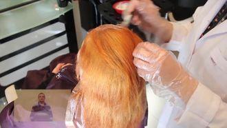 Rengi Açılan Saçın Boyanması izle