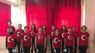 Nurten Öztürk Ortaokulu Korosu - Bugün Bayram izle