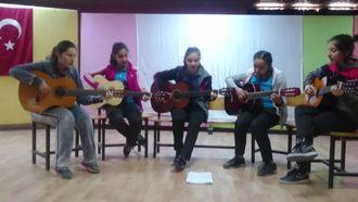 Learning with songs projesi Çanakkale içinde izle