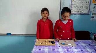 Basit eletrik devresi yapma etkinliği izle