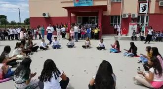 Doğankent Ümmü Gülsüm Hilmi Cananoğlu Ortaokulu 23 Nisan töreni izle