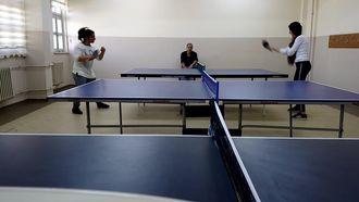 Van Edremit Mesleki ve Teknik Anadolu Lisesi Masa Tenisi Takımı Forehand Çalışması izle