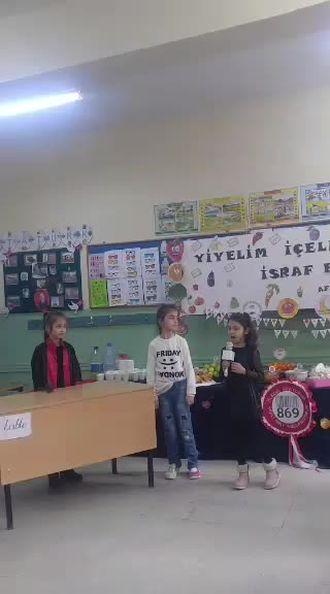 Tutumsuz Çocuk tiyatrosu izle