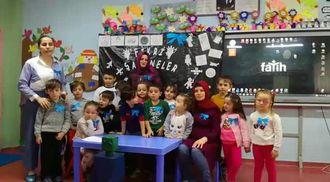 Çamlık İşitme Engelliler İlkokulu Ana sınıfı öğrencileri,öğretmeni ve velileri... izle