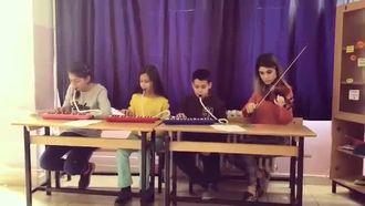 Arkadaşım Eşşek- Barış Manço Melodika Performans izle