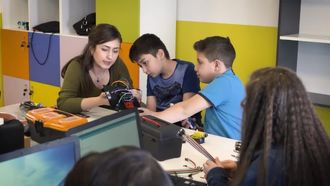 Sivas Bilim ve Sanat Merkezi Turkcell Zeka Küpü Teknoloji Laboratuvarı izle