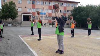 Ziya Gökalp Ortaokulu Basketbol Kursu izle