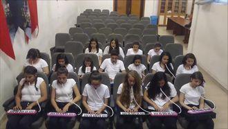 Karabağlar Cemil Meriç Ortaokulu Melodika Grubu İşte Öyle Birşey 2 izle