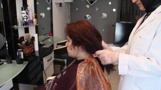 Saçı Krem Ve Toz Açıcılarla Açma izle