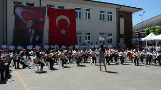 Şekerpınar Hasan Tahsin Ortaokulu Müzik Grubu - Gündüz Gece izle