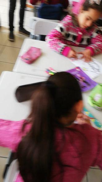 Sınıfımızdaki liderler boyama etkinliği izle