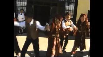 İbrahim Karaoğlanoğlu İlkokulu 2-C Sınıfı Yerköy Halk Oyunları Gösterisi izle