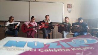 Kıyıköy Ortaokulu Gitar Grubu izle