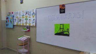 """Antalya Döşemealtı Toki Ortaokulu , bir e twinning projesi olan """"Eğitimde Değerler E�... izle"""