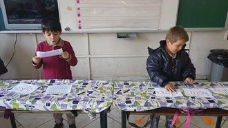 Varsak Şelale İlkokulu Kepez Antalya 1-A Sınıfı Kelimelerden Cümle Oluşturma Oyunu izle