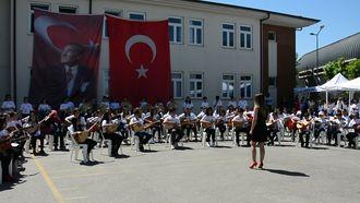 Şekerpınar Hasan Tahsin Ortaokulu Müzik Grubu - Ateş Böceğim Misin? izle