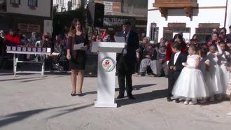 29  Ekim Cumhuriyet Bayramı (ATATÜRK'ün Son Balosu Vals ve Zeybek) izle