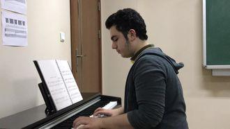 Orda Bir Köy Var - Piyano Eşlk izle