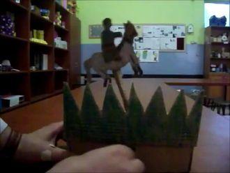 Krank mekanizması ile yapılmış atlı adam, kartondan mekanik oyuncak izle