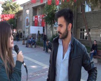 Öğretmenler günü ile ilgili sokak röportajı izle