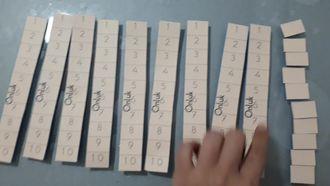 İlkokul 1.sınıf düzeyinde matematik işlemleri için pratik materyal tanıtımı izle