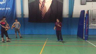 Samsun Havza Mesleki ve Teknik Anadolu Lisesi Kulübü Voleybol Takımı Antrenmanı izle